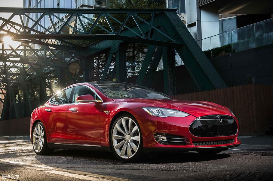 特斯拉在仅仅数年之内成功在高端豪华车市场站稳了脚跟,它是所有造车新势力的榜样。