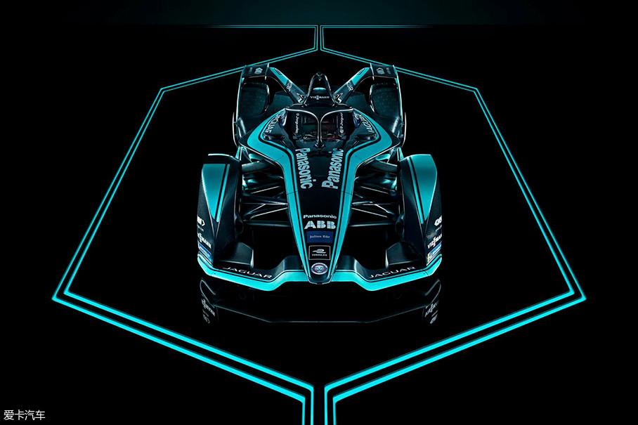 经过这些年的发展,Formula E已经成为了一项极具影响力和前瞻性的重要赛事,接下来的两个赛季,奔驰、宝马、保时捷都将加入FE冠军的争夺。而捷豹则领先一步,即将推出最新的I-TYPE 3赛车。