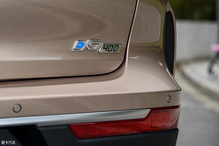 从售价上来看,EX5 400车型是最具性价比的。另外,EX5 500车型要等到2019年才会开始交付。所以,现阶段EX5 400是最值得我们关注的。我们此次测试的正是选满了配置的EX5 400车型。