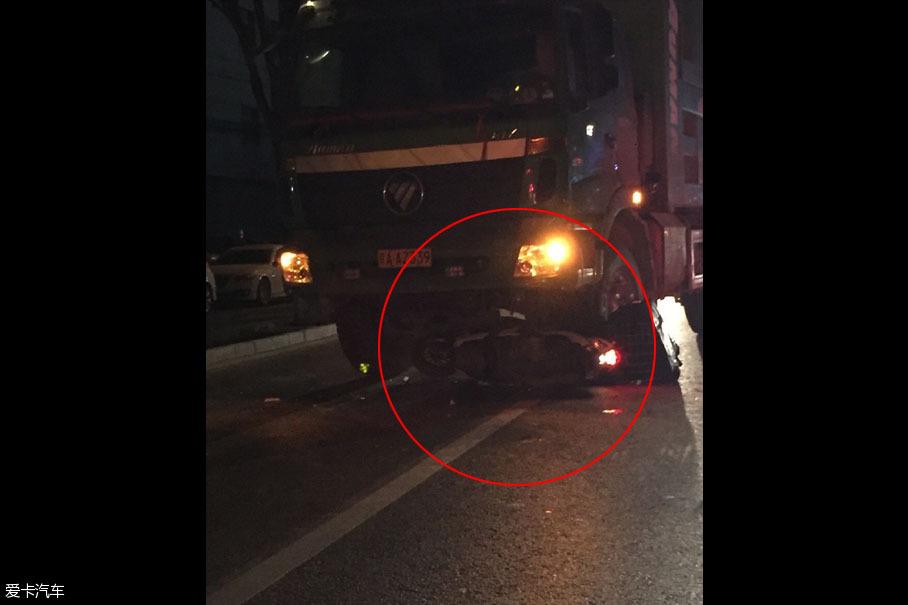 大货车引发的交通事故