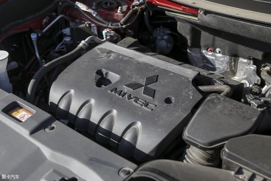 在紧凑型SUV领域内,三菱欧蓝德完成了国产化,售价得以降低。本次我们测试的广汽三菱欧蓝德为2.4L四驱精英版车型,也就是次低配车型。