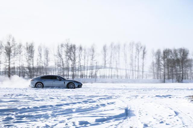 保时捷冰雪试驾