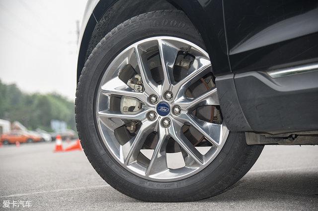 测满载对驾驶的影响 锐界7座满载千斤记