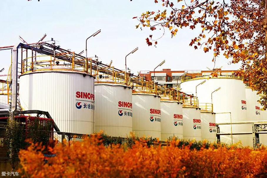 进入20世纪,随着国家对于工业的大力扶持,我国的润滑油行业得到了大力发展,长城、统一、昆仑等中国品牌润滑油强势崛起,中国润滑油市场格局也发生了深刻的变化。