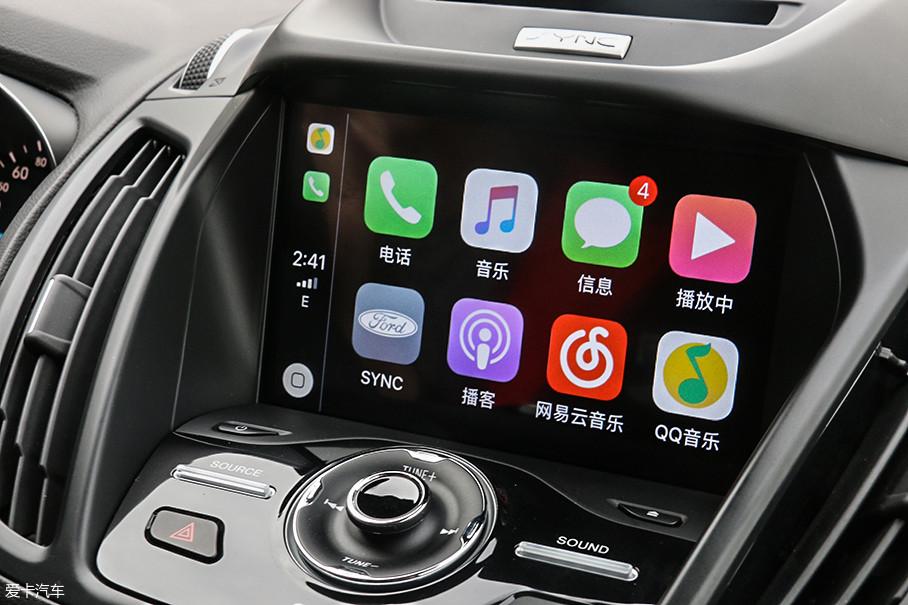 福特SUV三兄弟全部配有CarPlay,用数据线连接好车辆和手机之后,既能给手机充电,又能用多功能方向盘控制手机音乐的播放可谓是一举两得。
