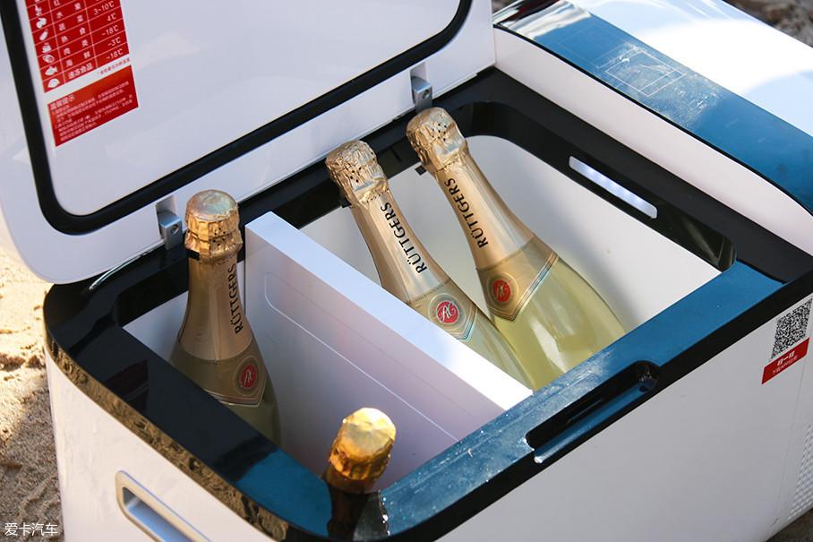 T20的主要特点是可以在同一个冰箱内实现冷冻和冷藏功能,能同时进行双温双控。