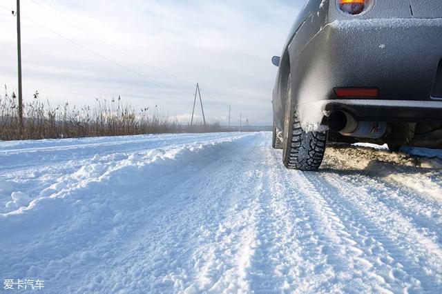 冬季用车;原地热车