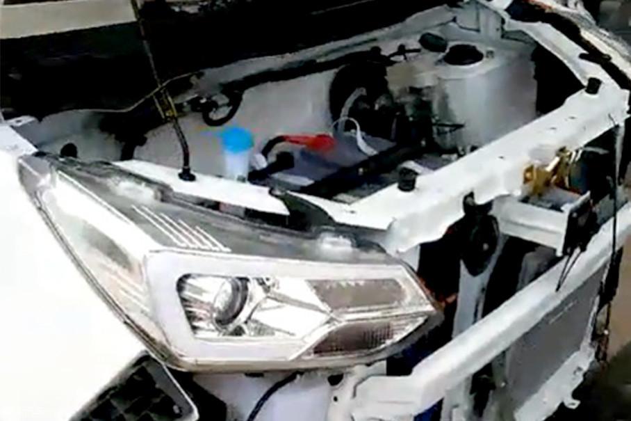 短小的车头根本不具备防撞梁,发生碰撞时的安全溃缩空间几乎为零,主、被动安全方面更不可能配备气囊、ABS,甚至连最基本安全带都成了厂商引以为豪的配置。