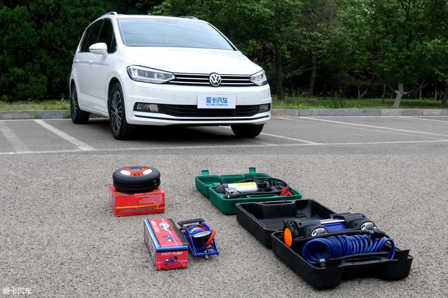 车载充气泵适用于什么样的场景?便携泵有能力让失压的轮胎恢复行走能力么?充气效率怎么样、占用空间有多大等等问题一齐涌现出来。