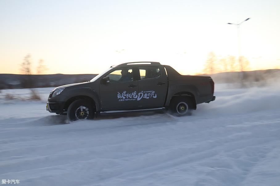 五十铃D-MAX冰雪试驾