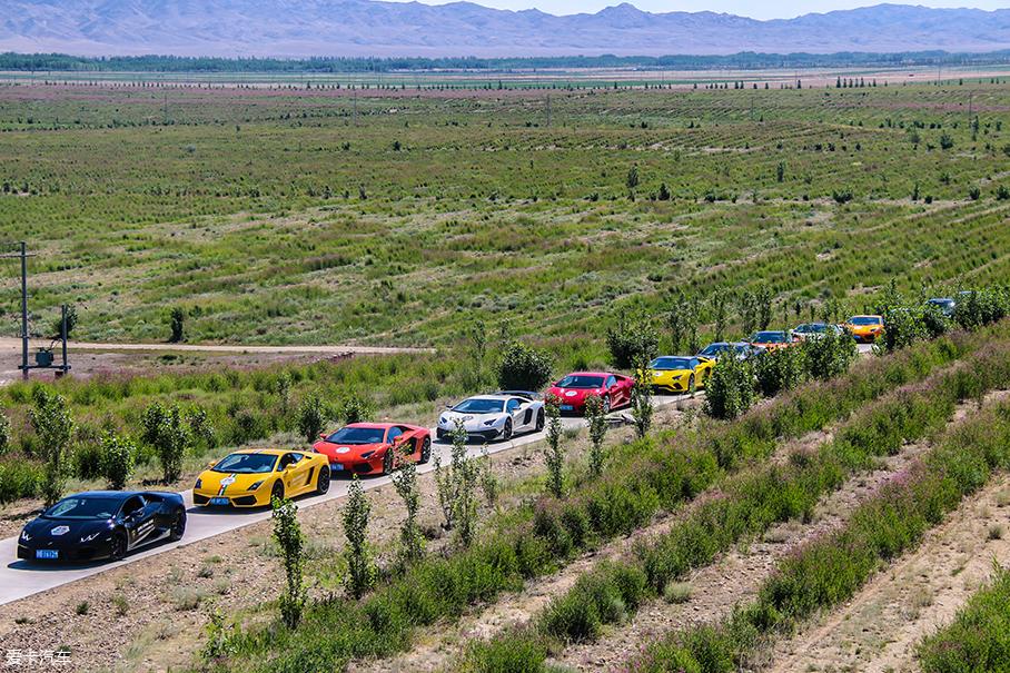 兰博基尼新疆自驾游