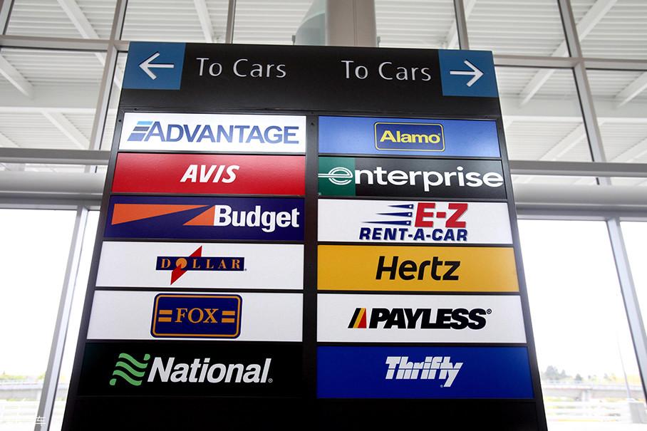 汽车租赁是汽车服务产业中最为重要的一环,在美国享受租车服务早已成为家常便饭。可以说租赁汽车的流程几乎跟入住酒店一样快捷和便利。