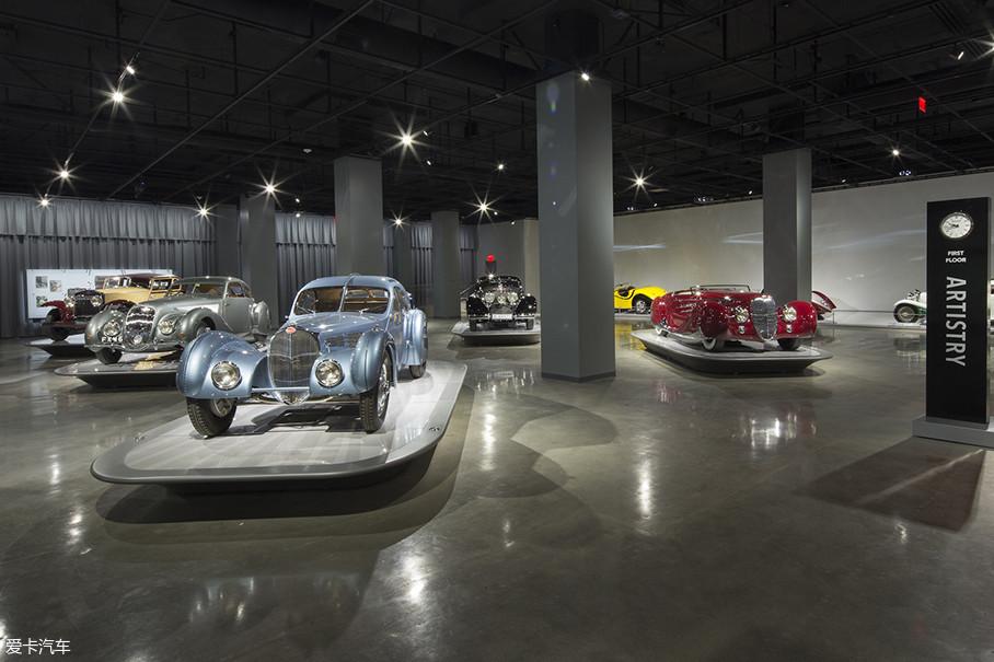 它是全世界最牛X的汽车博物馆之一,馆藏极为丰富。你能想到的经典车型在这里应有尽有,眼花缭乱的陈设绝对是全世界车迷心中的圣地。