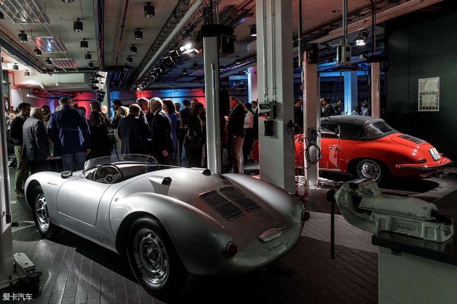 """""""保时捷效应""""主题展是保时捷在德国总部以外举办的最全面的展出,也是彼得森汽车博物馆举办的最大的一次展览。"""