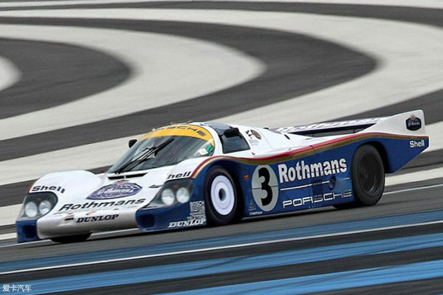 看完了民用跑车中的传奇岂不提赛车车型中的传奇?这是第一款采用单壳结构的保时捷。956赛车充分利用了空气动力学,使其成为历史上最伟大的赛车之一,在勒芒耐力赛中连续四次夺冠。