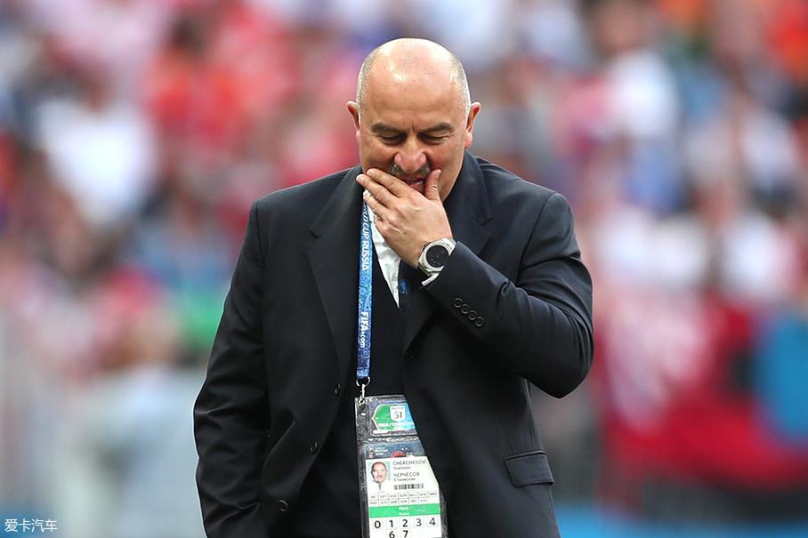 这届世界杯上俄罗斯队换用了切尔切索夫为教练,这位活跃在俄罗斯本土的教练也曾是俄罗斯国家队的一员,并且也曾在莫斯科斯巴达克效力多年。