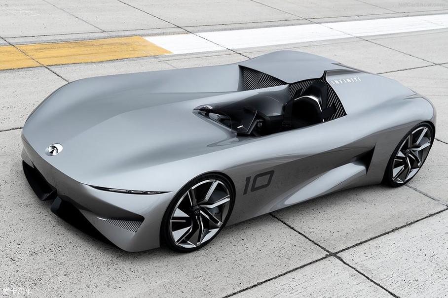 """而这届圆石滩车展上,""""不可错过的概念车系列""""中,英菲尼迪Prototype 10也赫然上榜。乍一看,奇异的座舱布局有些突兀感,但细细品味你会发现,这不就是致敬上世纪老式赛车的风格嘛。"""