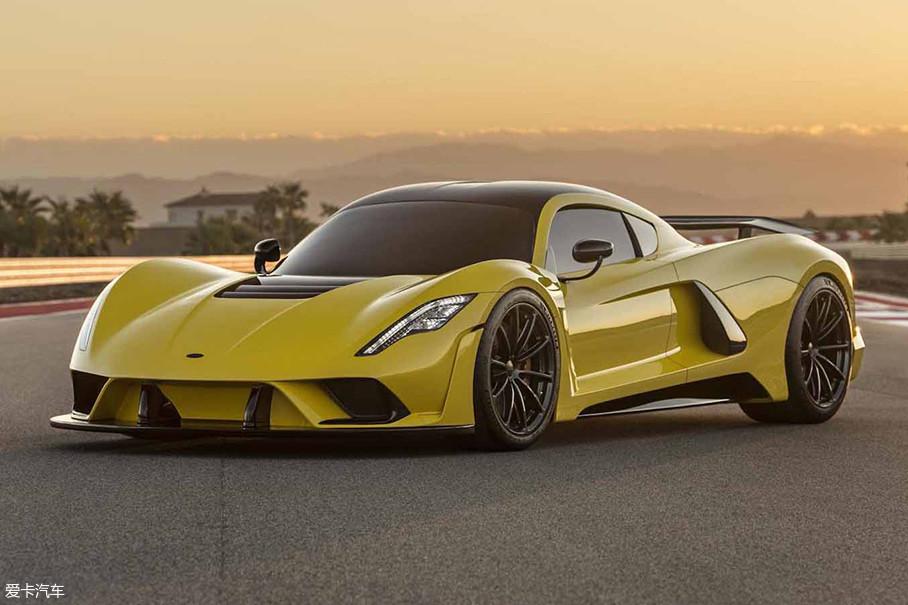"""接下来的这款Hennessey Venom F5也同样是小众的""""千匹怪兽"""",作为一家有实力的改装厂,它也是Hennessey第一辆属于自己的车型。"""