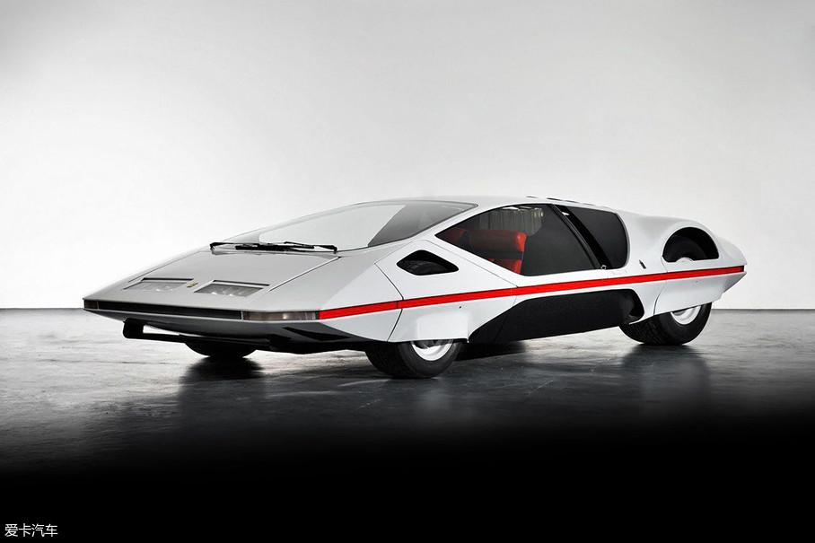 这款充满着70年代科幻主义设计风格的法拉利512 S Modulo,一定是喜爱经典车车迷在这届圆石滩车展上的最大收获!