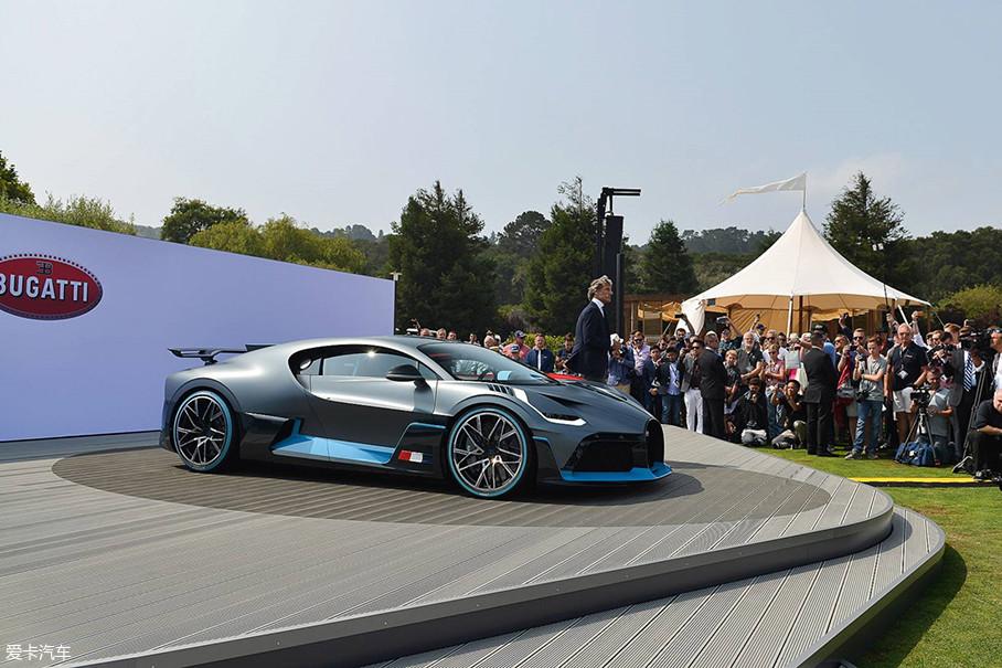 差点儿把它忘了,作为本届圆石滩车展上的重量级新车型,布加迪Divo吸引了无数的聚光灯以及赞叹声。虽然每台售价500万欧元,但40辆一经发布就已售罄,有钱人真多...