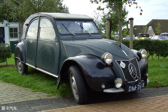 法国国民车雪铁龙2CV
