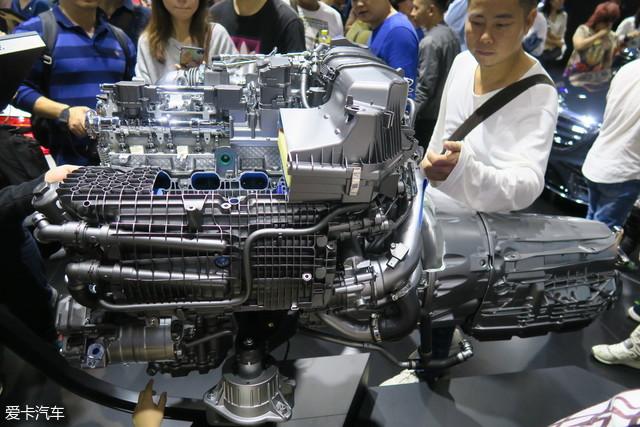 奔驰M256发动机