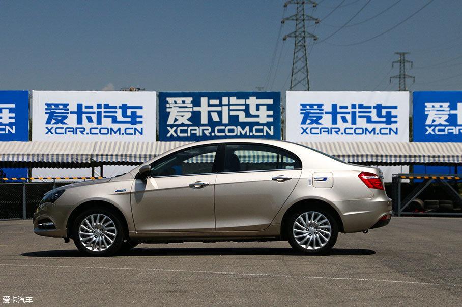 车身尺寸方面,长宽高分别为4631mm/1789mm/1495mm,轴距为2650mm,整备质量为1598kg。
