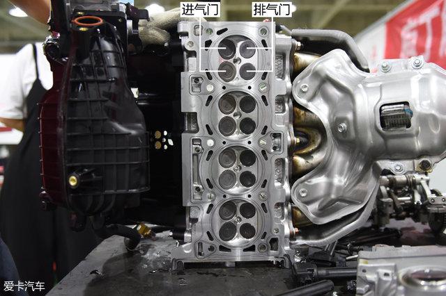可以明显看到进气门直径要大于排气门直径,这样的设计可以保障发动机图片