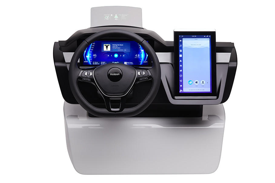 它能够将多个ECU (电子控制单元)集成在单一域控制器内,可带来前所未有的体积、功耗,以及成本优势。