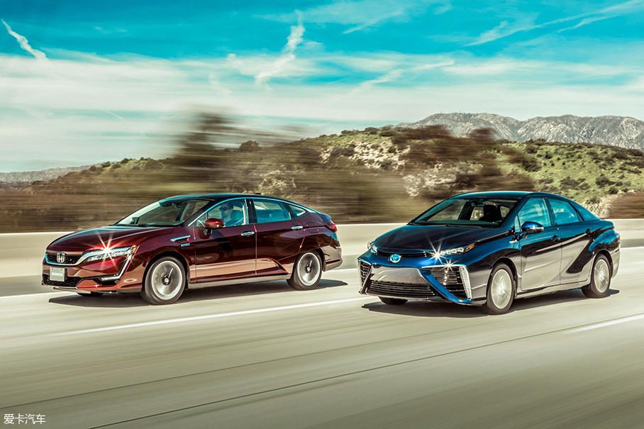 """没错,在日本""""氢社会""""的主导下,丰田和本田在氢燃料汽车上的宣传格外卖力,而相关车辆也进入了量产阶段,比如丰田的Mirai在日本就投入了不少。甚至在中国,两家日本企业也开始了路试。"""