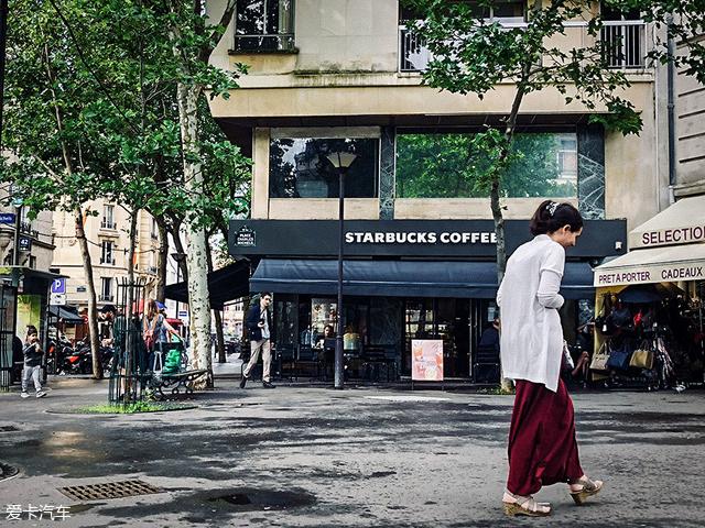 小牛电动车巴黎文化之旅