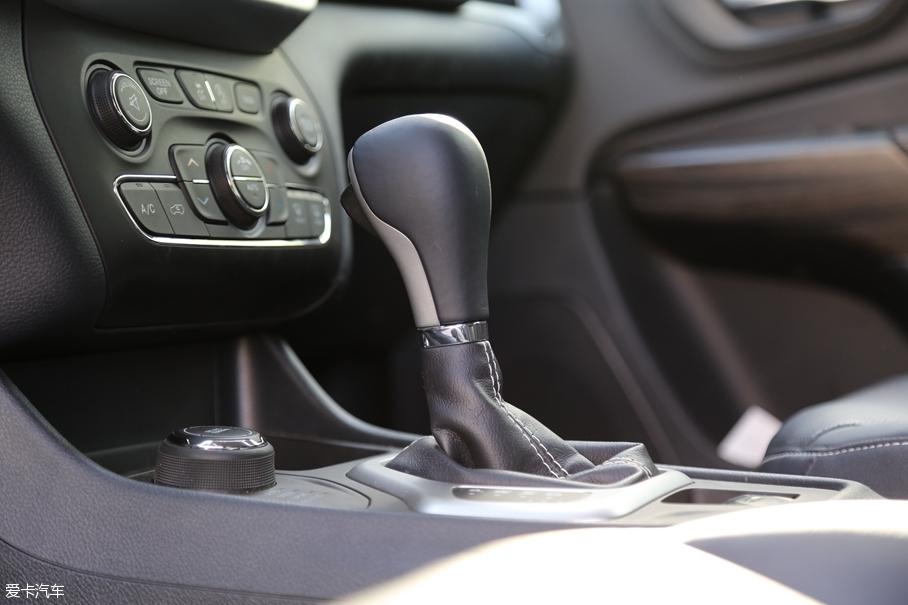 Jeep自由光评测体系