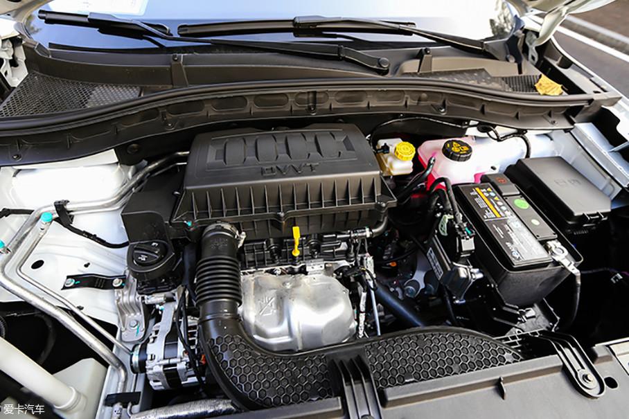 名爵ZS的这台1.5L自然吸气发动机属于阿特金森循环发动机,特殊设计的发动机连杆机构使活塞的做功行程大于压缩行程,有效地提高了燃油的热效率,从而获得更好的燃油经济性。