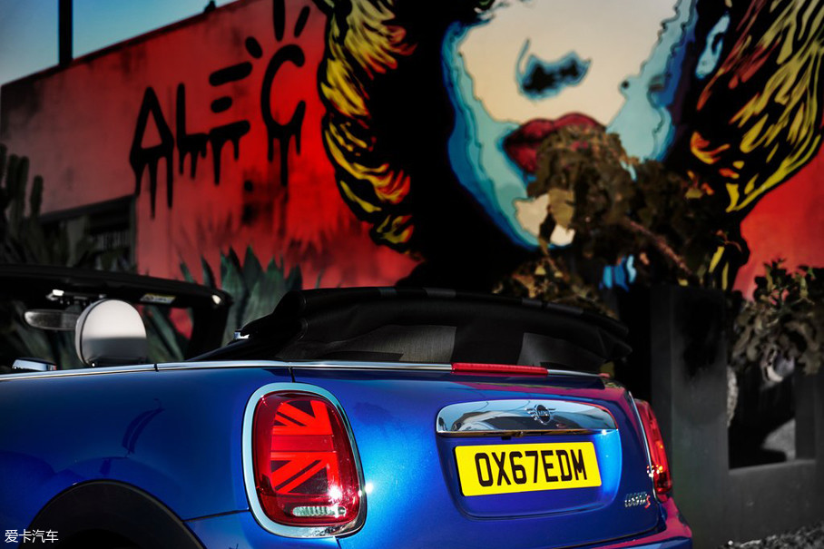 这个时代,具有独特个性的车型可能除了MINI就要数大众的甲壳虫了。但不幸的是,如今甲壳虫的处境并不好,极低的销量也令大众汽车放弃了对甲壳虫新车的研发,使其逐渐走向了没落。