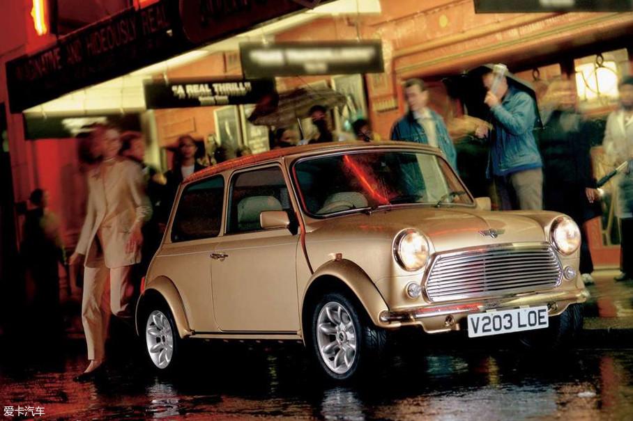 从MINI诞生开始,不光英国皇室成员,还有一些汽车品牌的大佬都把其购置回家,作为他们车库中众多座驾的其中一员。