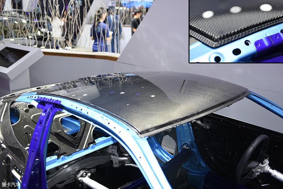 雷克萨斯LC500车型的车顶就采用了碳纤维复合材料。