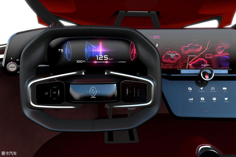 传统的按键式多功能方向盘改为中间为触屏设计的全新方向盘样式。驾驶者可以通过触摸完成相应操作。