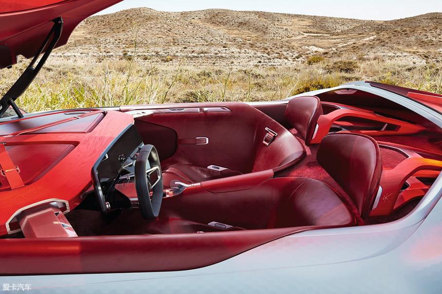 接下来我们再看看内饰部分。雷诺Trezor内饰主要以红色为主色调,强调优质材质,包括木质和皮革。将工艺、技术与法国设计风格融为一体。