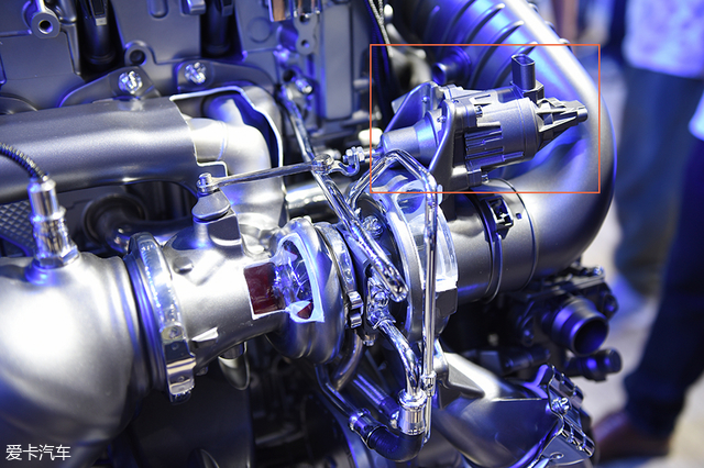 奔驰1.5T发动机