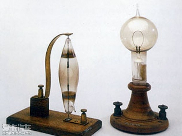 从乙炔到激光 爱卡回顾车灯的发展历史
