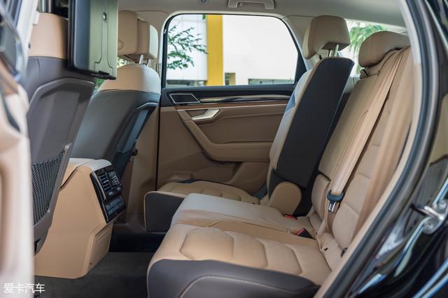 座椅靠背角度可调节