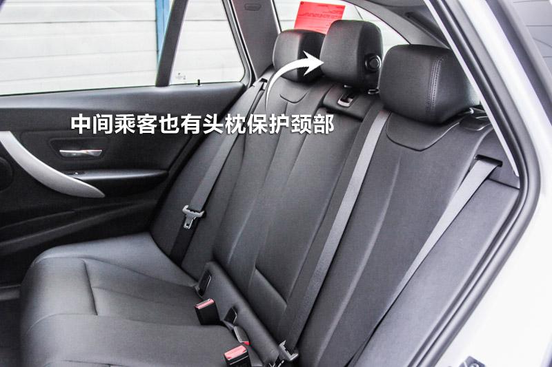 2013款宝马3系旅行车 320i 时尚版后排座椅 宝马3系旅行车细节高清图片