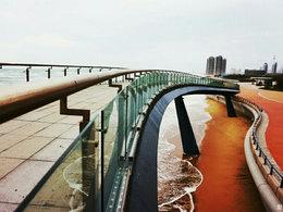 天凉好个秋 滩头看水天一色