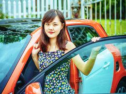 美人相伴 爱车生活尽显诗情画意
