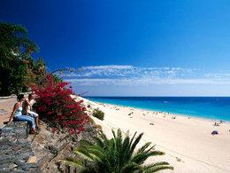 完爆三亚 加纳海滩浪花比基尼