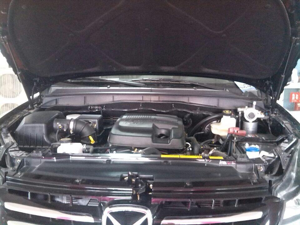 柴油 2.4T 两驱自动豪华版 五座