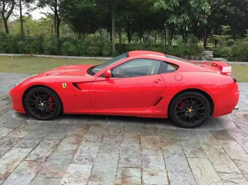 法拉利 599