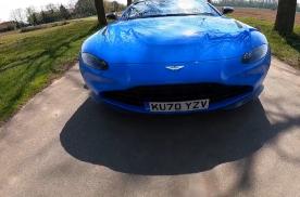 第一视角开豪车:阿斯顿·马丁Vantage Roadster
