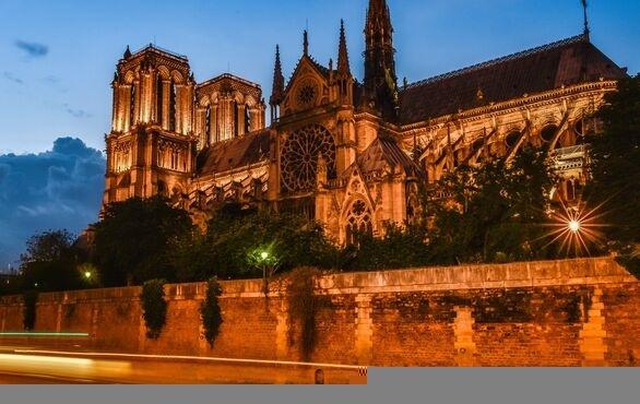 圣诞节来了法国人却很难过 火灾后的巴黎圣母院或多半无法挽救