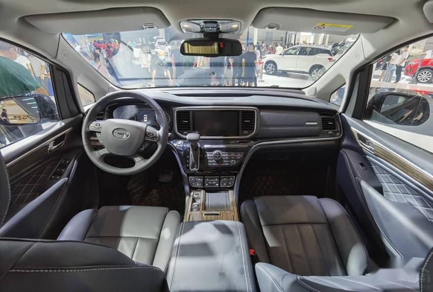 乘坐舒适媲美埃尔法 传祺GM8怎么做到的?